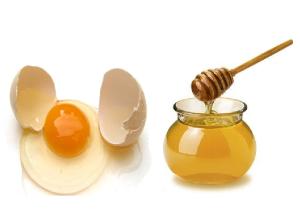 Mascarilla-de-miel-y-huevo