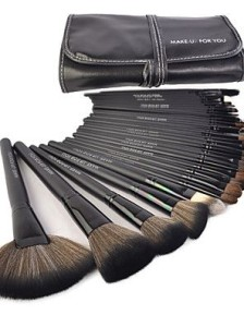 18b79f78d447ff7496261eba4099da3f--mysterious-girl-makeup-brush-set